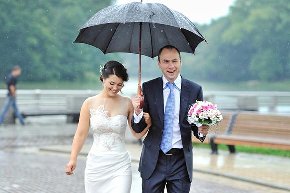 a couple during their wedding in seattle washington